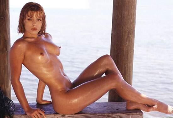 Topless sur la plage de tres beau gros seins a mater - 1 part 3